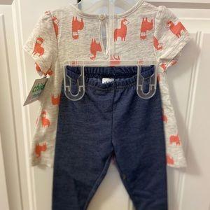 Child of mine Llama print set. BNWT. Size:6-9 mos